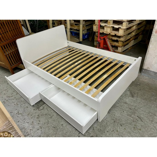 4 feet Double Bed (90%New) (SOLD)