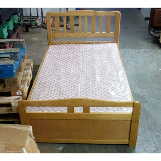 SOLID WOOD BED (80% NEW)