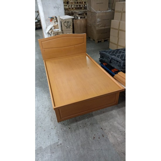 4-FEET BED (75% NEW)