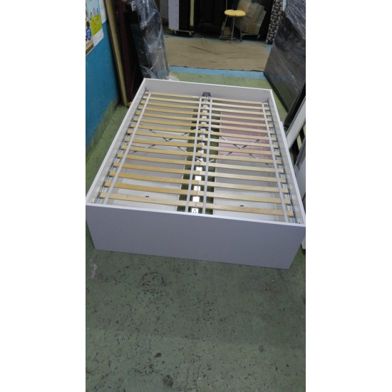 4.5 Foot  double bed (4 drawers)