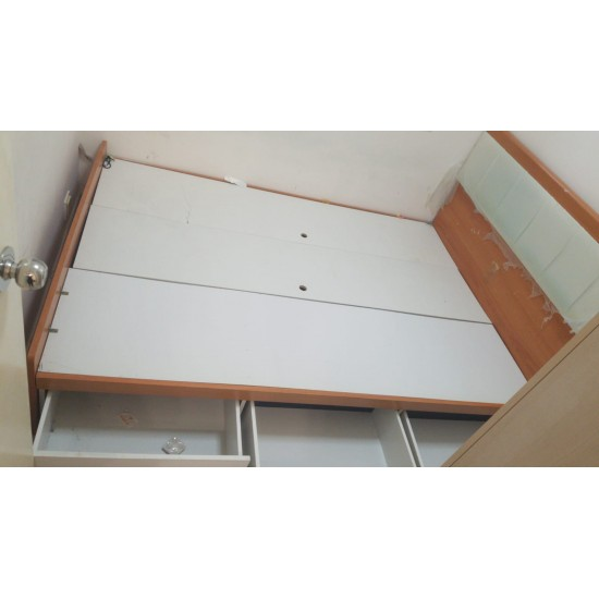 4.5 FOOT BED (3 DRAWERS)