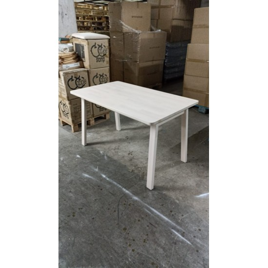 Solid wood Dining Table (85% NEW)