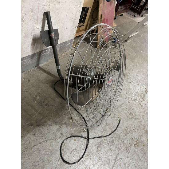 Industrial Electric Wall Fan (80% New)