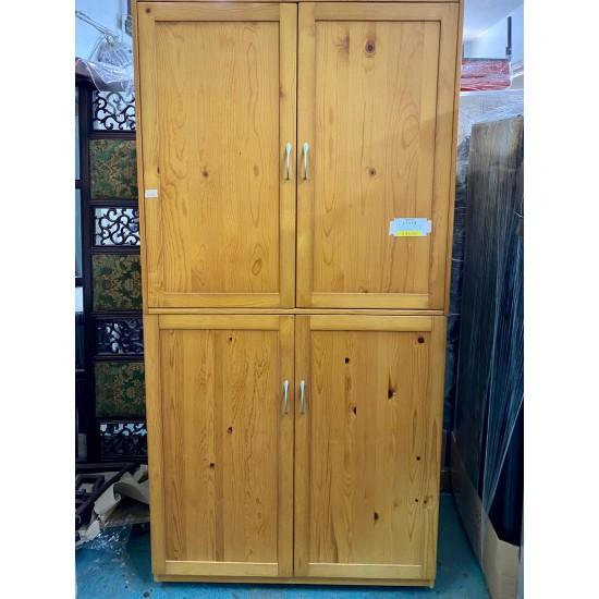 Pine wood Wardrobe (75% NEW)